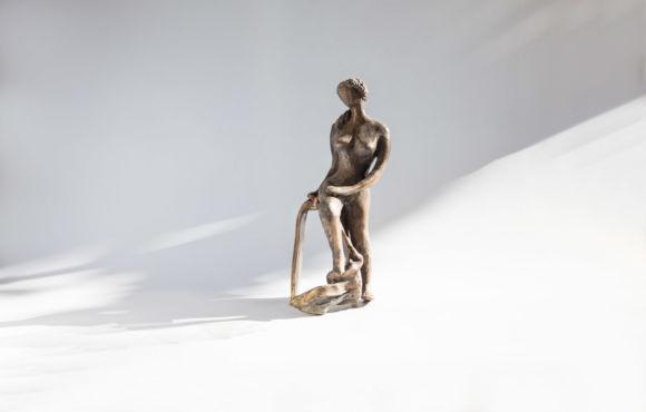 La femme accoudée bronze